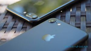 iPhone 7 and 7 Plus land in