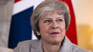 Brexit: May heads to Brussels