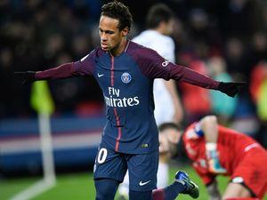 VIDEO: Neymar returns from