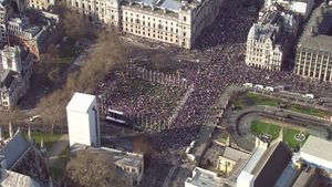 Brexit: Leave supporters rally