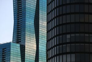 Vista Tower condo buyer sues