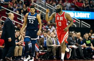 Rockets top T'wolves for
