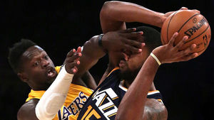 Lakers' last-second shot comes