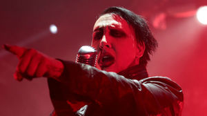 Marilyn Manson Injured Onstage
