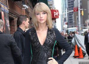Taylor Swift Hosts Secret