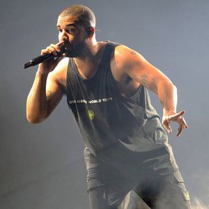Drake wishes Rihanna happy
