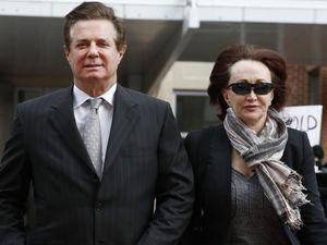 Mueller seeks immunity for 5