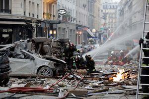 2 firefighters dead, 47