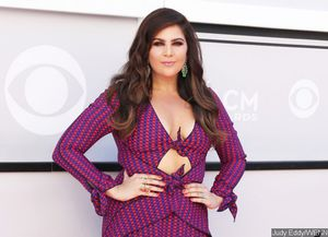 Lady antebellum 39 s hillary scott reveals she 39 s pregnant for Is hillary from lady antebellum pregnant