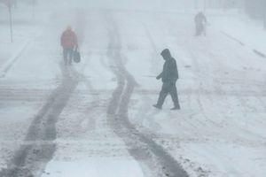 Heavy snow across Midwest,