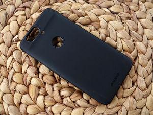 This thin Nexus 6P case is