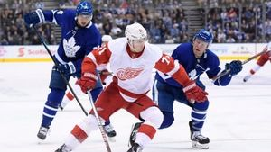 Red Wings recover from late