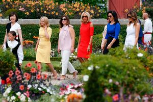 G-7 leaders' spouses enjoy