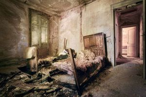 How Photographing an Abandoned
