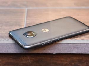 Pick up an unlocked 32GB Moto