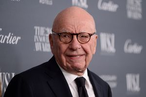 Rupert Murdoch Buys $21.2M In