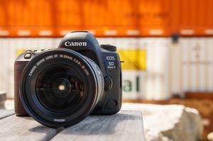 Canon EOS 5D Mark IV First