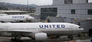United Airlines Flight Crew