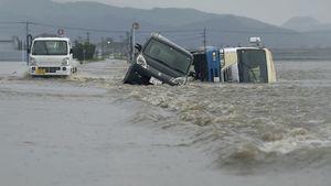 Heavy rain hits Japan,