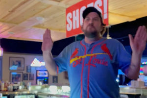 Missouri barman berates