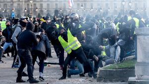 Yellow-vest protests: Macron