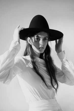 Elisa Mitrofan Wears Minimal