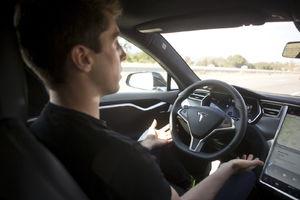 Regulator: Tesla crash
