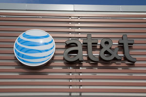 AT&T CEO uses witness stand to