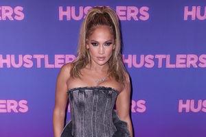 Jennifer Lopez wears $3K jeans