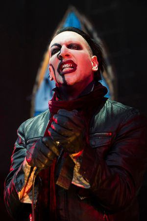 Marilyn Manson cancels nine