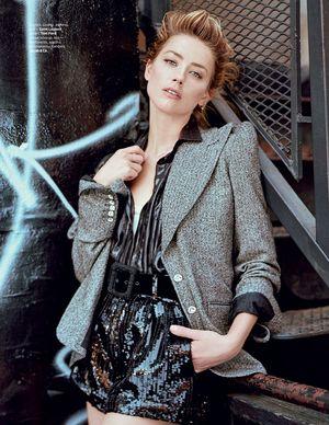 Amber Heard Wears Elegant