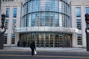 Prosecutors read closing