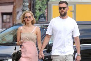 Jennifer Lawrence marries