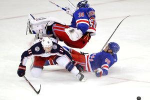 Rangers, Lundqvist get beat up