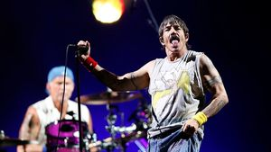 Red Hot Chili Peppers to Sell