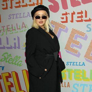 Christina Aguilera plotting