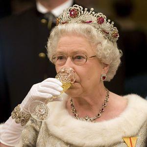 The Queen Elizabeth Diet: Gin