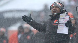 What to Do About Hue Jackson