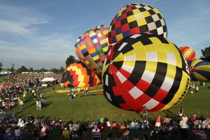 Hot air balloon hits power
