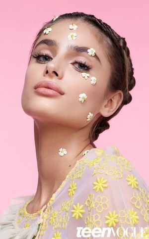 Taylor Hill Models Whimsical