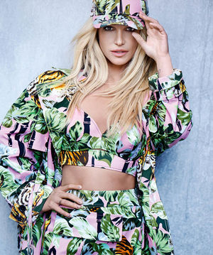 Britney Spears Rocks 90's