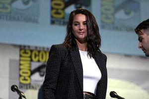 Shailene Woodley Breaks