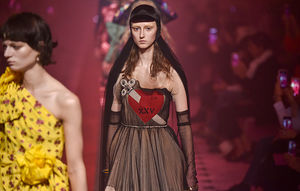 Watch the Gucci Fall 2017