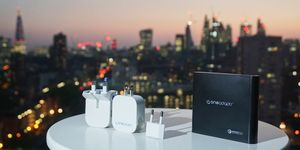 Review: OneAdaptr's EVRI &