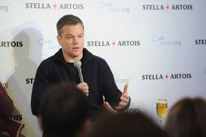 Matt Damon apologizes for